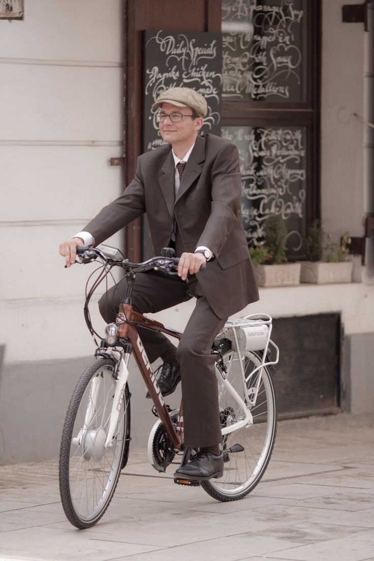 E-bike is perfect and comfortable for businessmen who would like to get to work without perspiration. http://www.gepida.hu/eng-gbr/product/category/pedelec/