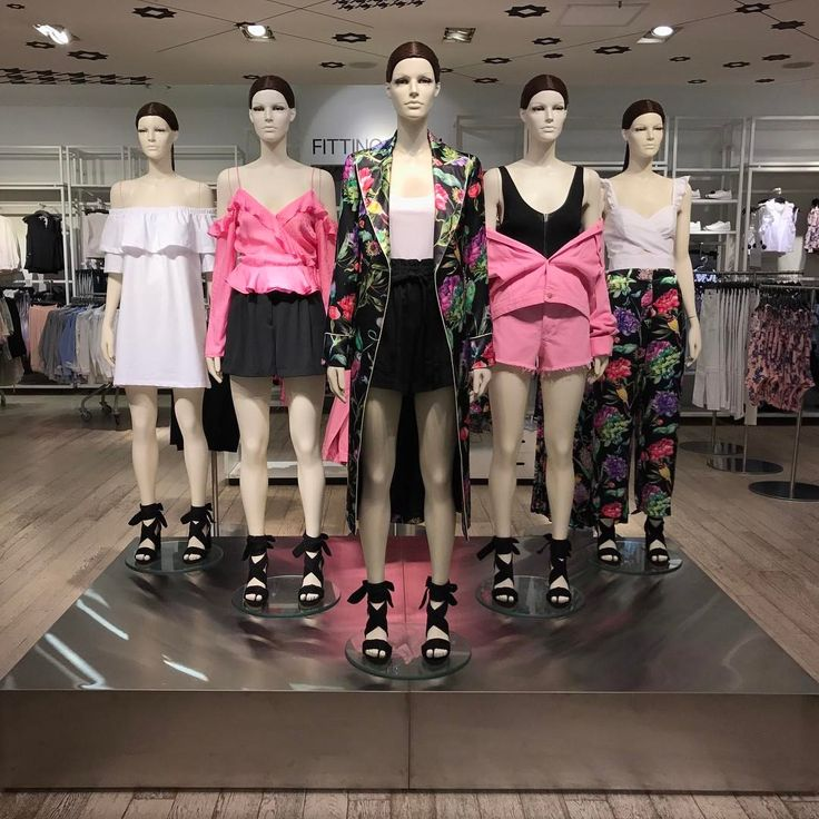 """H&M, HENNES & MAURITZ, Myeongdong Street, Seoul, South Korea, """"The Fashion Trend"""", pinned by Ton van der Veer"""