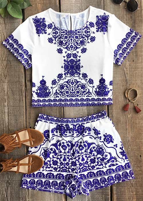 How's your matching set game? Allow us to help you out with this super cute, comfy duo! This romper is so feminine and flattering featuring Blue & white porcelain and Unique printing. Cupshe.com will give you a hot hit !