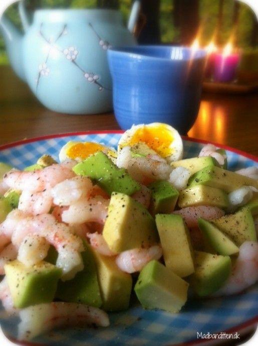 Morgenmad, der mætter: Rejer med avokado og æg