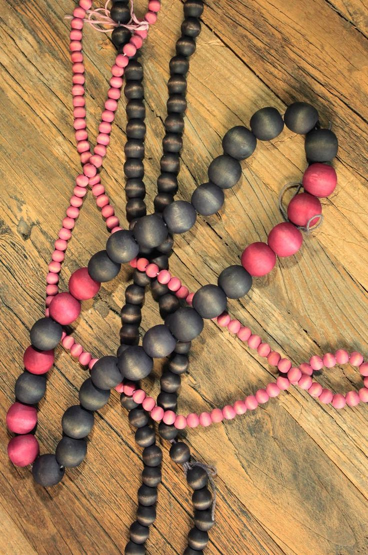 DIY Jewelry Making | Customize your own wooden jewelry with this simple dye tutorial. :)