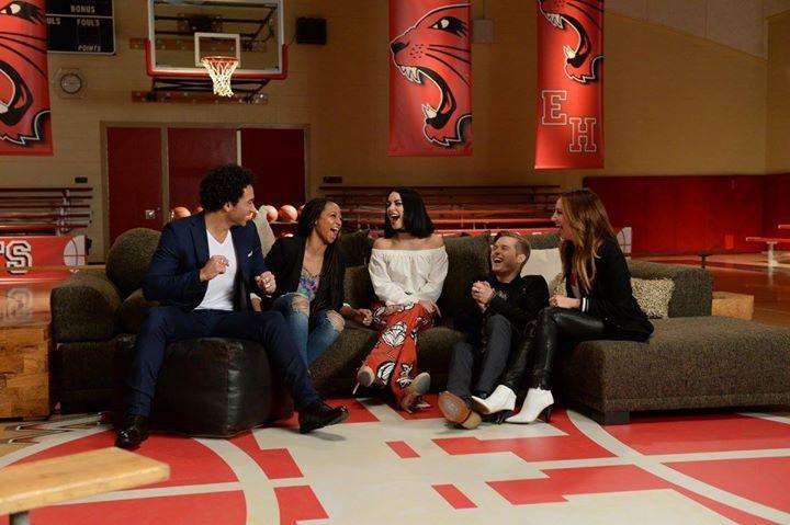 Les 10 ans d'High School Musical se fête sur Disney Channel http://xfru.it/uOL42k