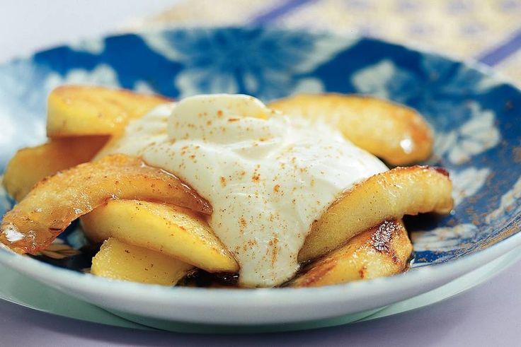 Kijk wat een lekker recept ik heb gevonden op Allerhande! Appelpartjes in siroop met vanillekwark