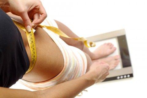 女性 ダイエット 体重計 メジャー