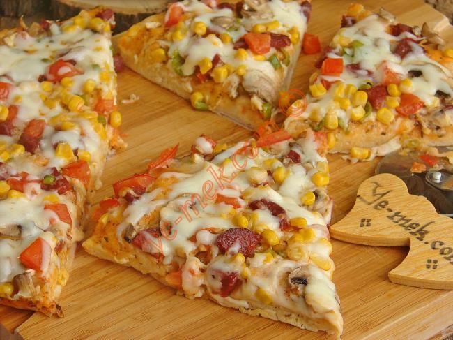 Ekmek Hamurundan Pizza Resimli Tarifi - Yemek Tarifleri