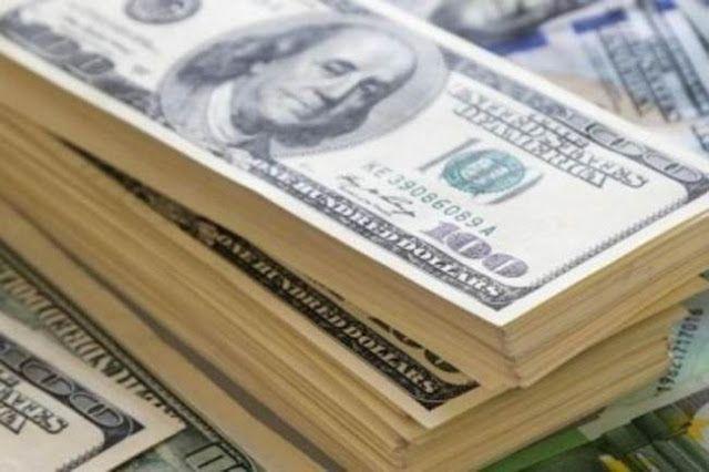 DE LOS U$S 97.842 MILLONES BLANQUEADOS SOLO SE DEPOSITARON U$S 7.200 EN EL PAIS      De los u$s 97.842 millones blanqueados sólo se depositaron u$s 7200 en el paísApenas el 14% del dinero en efectivo blanqueado se destinó a alguna inversión. Y sólo se depositó en cuentas bancarias en Argentina una porción menor de los casi cien mil millones blanqueados. El 86% de ese dinero está radicado en el exterior. El Gobierno difundió ayer lo que considera uno de los máximos logros en lo que va de la…