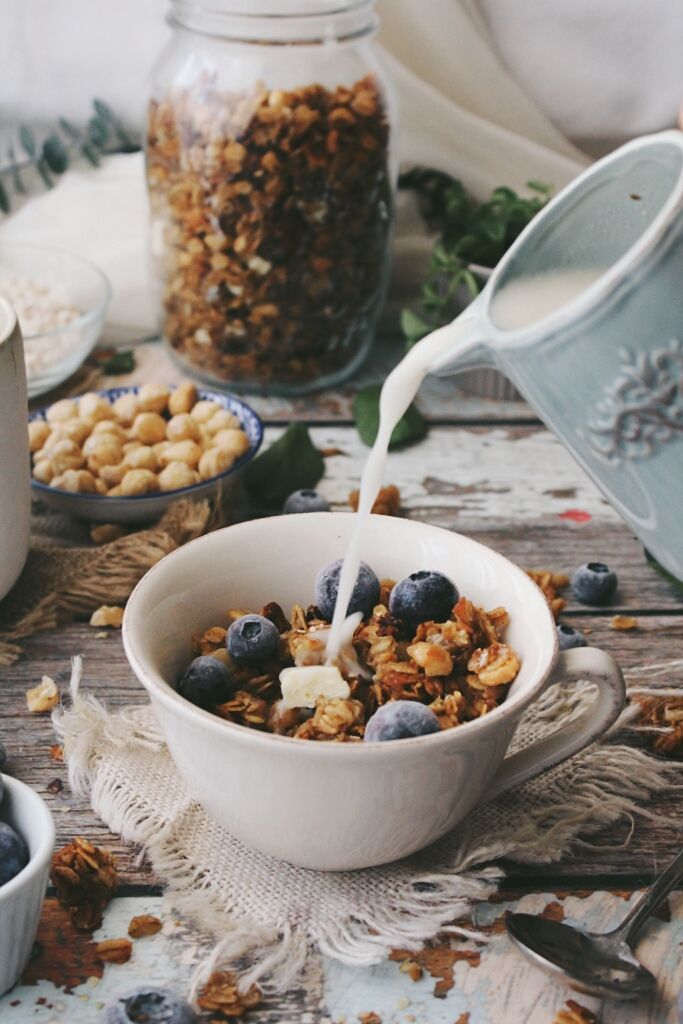 chai pear white chocolate chunk granola