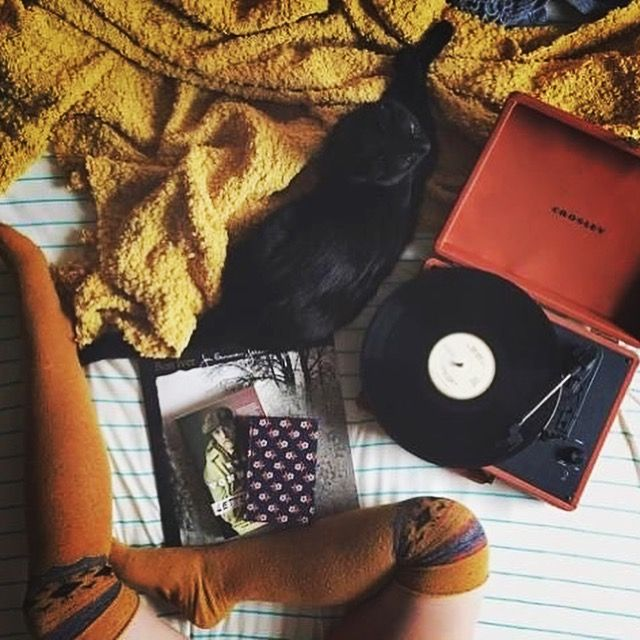 Hello Tuesday 🌞 🤙🏽☕️ #rocknroll #rootsrock #garagerock #americana #music #podcast #tuesday #tuesdaymotivation http://gritgrubgrindradio.podbean.com/