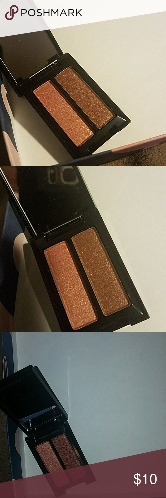 smashbox eyeshadow duo Golden hour eyeshadow duo.  Colors are turned on and psyched.  Never used or swatched. Sephora Makeup Eyeshadow