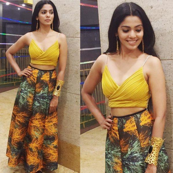 Pooja Sawant Style