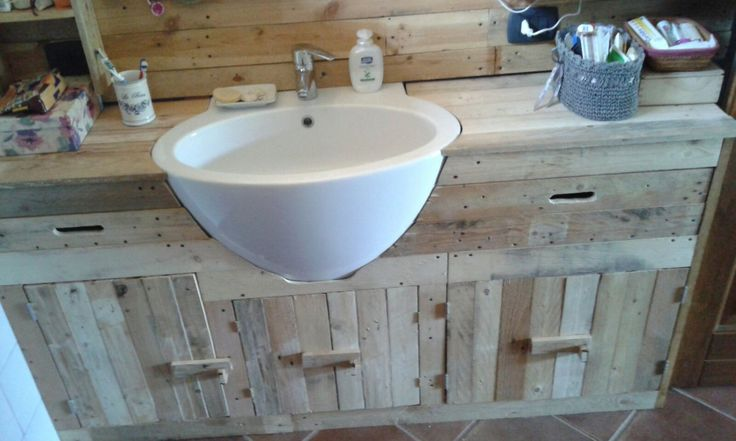 Mobile bagno in legno riciclato pallet, stile rustico cowntry, mobile bagno in legno naturale con ante ripiani e cassetti in legno massiccio di EcoNaturaBio su Etsy