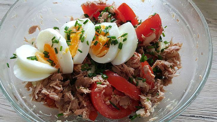 Würziger Thunfisch-Tomaten Salat low-carb, ein raffiniertes Rezept aus der Kategorie Kalt. Bewertungen: 7. Durchschnitt: Ø 3,8.