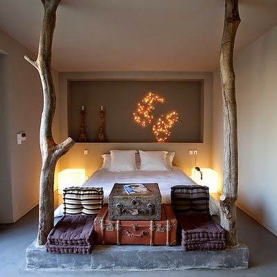 bedroom-suitcases wood feeling- earthy