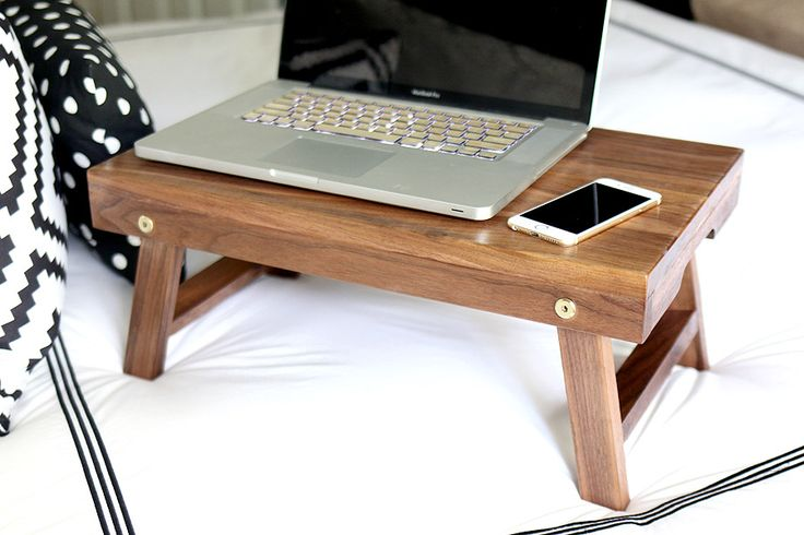 Love this DIY folding lap desk/breakfast tray! Looks easy to build too!