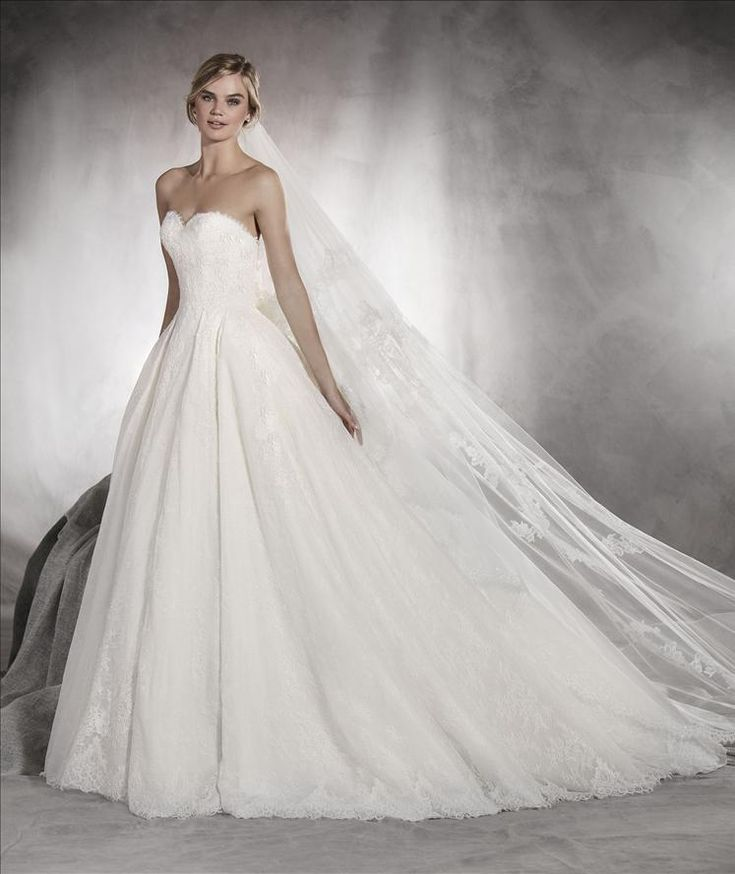 Aina by Pronovias
