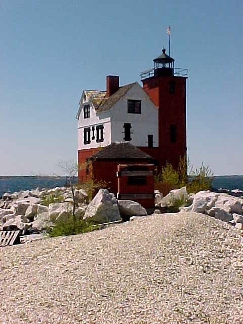 Round Island Lighthouse, Straits of Mackinac, Michigan, USA - ... @ivannairem .. https://tr.pinterest.com/ivannairem/lighthouses/