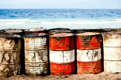 Oil barrels (colourbox.com - 2014)