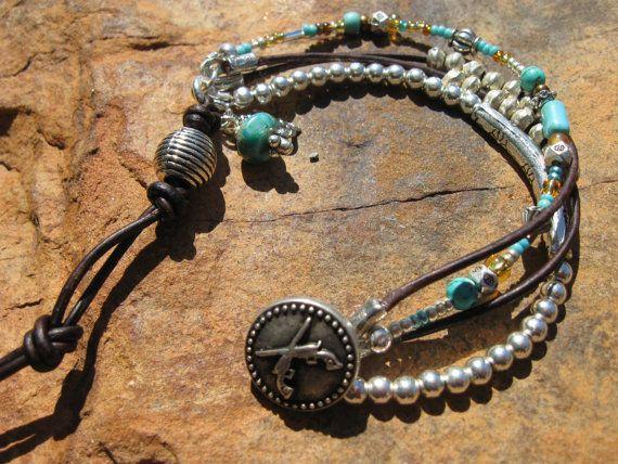 Cuero occidental capas - turquesa africana, pulsera de plata, Country del oeste by fleurdesignz