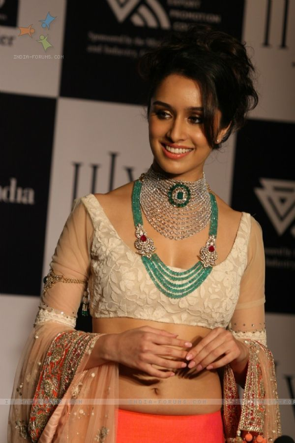 Actor Shraddha Kapoor for India International Jewellery Week (IIJW) 2011
