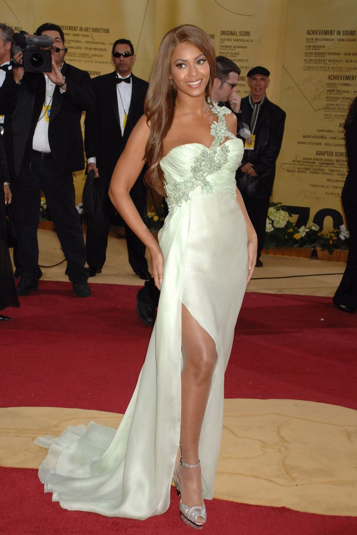 Beyoncé's Met Gala Red Carpet Looks: See All the Photos ...