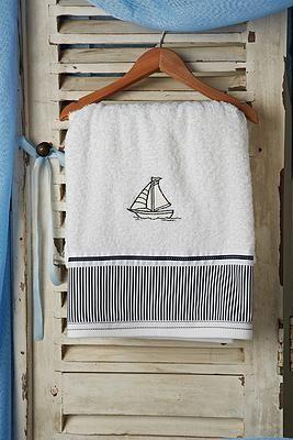 Σετ λαδόπανα βάπτισης καράβι  Το σετ περιλαμβάνει :   λαδόπανο πετσέτα μεγάλη - πετσετάκι μικρό το σετ εσώρουχα της φωτογραφίας