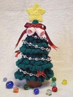 かぎばり編みのクリスマスツリーの作り方|編み物|編み物・手芸・ソーイング|作品カテゴリ(印刷用)| 手芸レシピ16,000件!みんなで作る手芸やハンドメイド作品、雑貨の作り方ポータル「アトリエ」