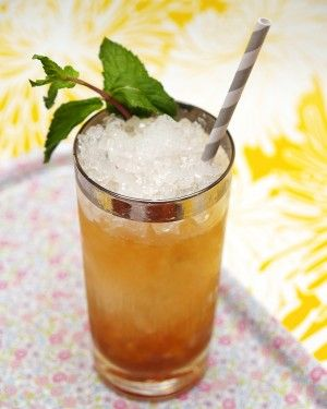 Traditional Southern Mint Julep...perfect for Kentucky Derby partyDerby Party, Julep Time, Julep Recipe, Drinks Time, Mint Julep Ne, Mint Julep And, Derby Time, Kentucky Derby Parties, Cocktails Recipe