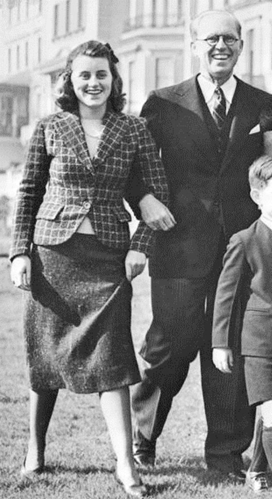 Kick With Her Father http://en.wikipedia.org/wiki/Kennedy_family http://en.wikipedia.org/wiki/Kathleen_Cavendish,_Marchioness_of_Hartington