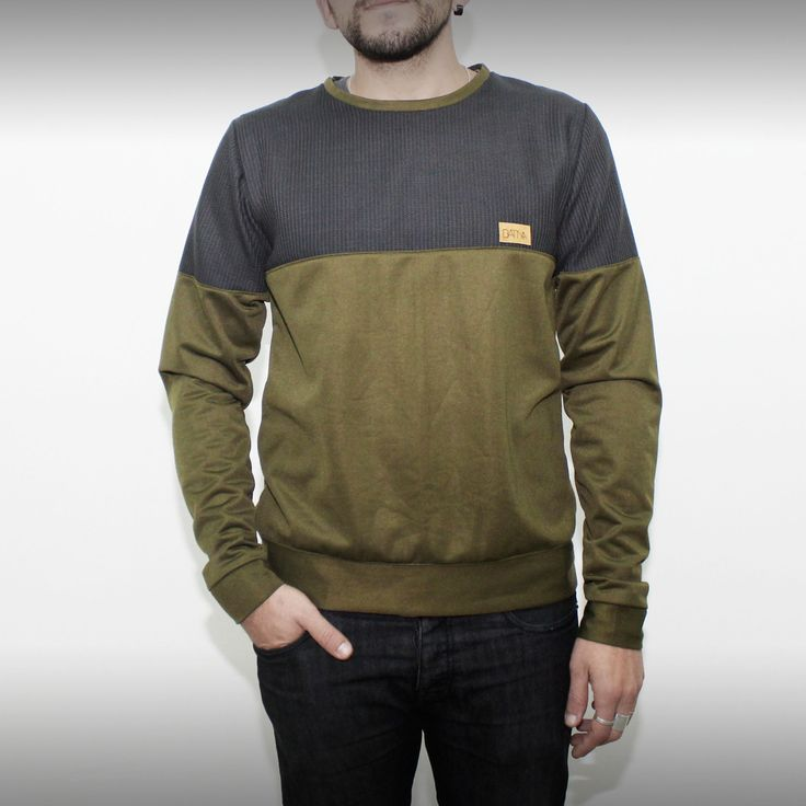 Army green and grey sweatshirt on www.green-fits.com