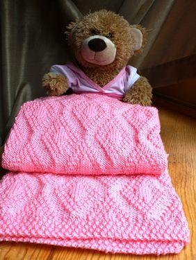 Forever Diamonds Baby Blanket Pattern from knitpicks.com