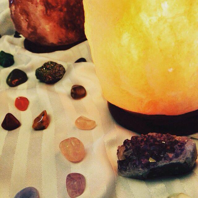 Lampes de sel d 39 himalaya et pierres pr cieuses lampes de sel pinterest lampe de sel sels - Sel d himalaya ...