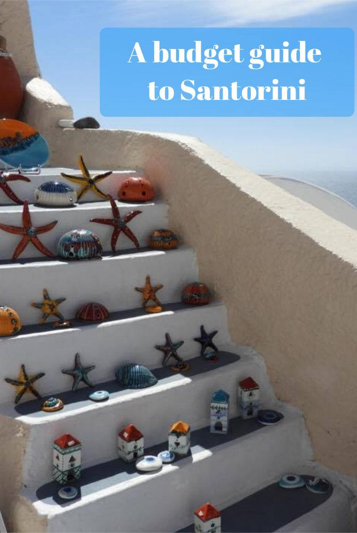 This lovely shop sells local souvenirs. It's located in Oia and also has a perfect view.