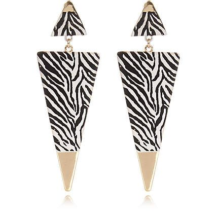 Black zebra print triangle drop earrings €10.00