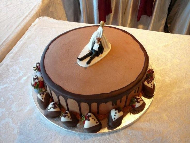Best 25+ Funny Grooms Cake Ideas On Pinterest