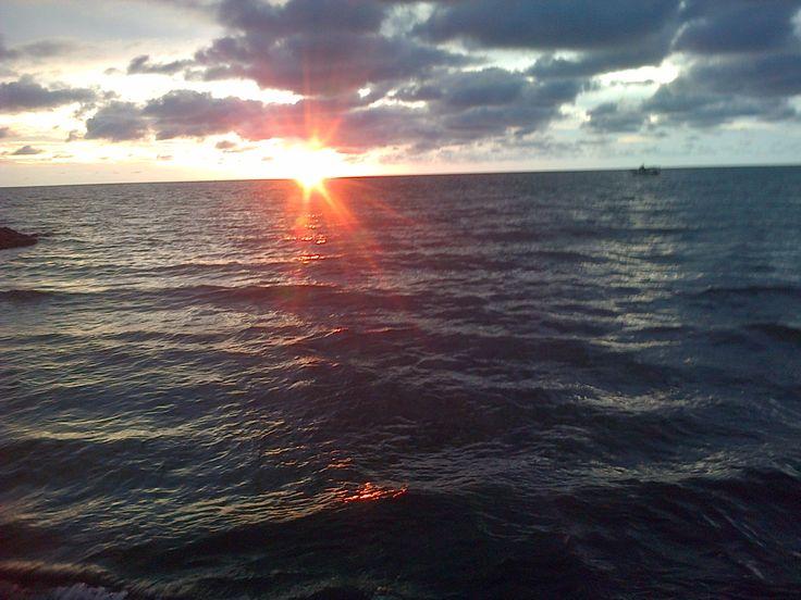 Atardecer en la costa caribe. Colombia