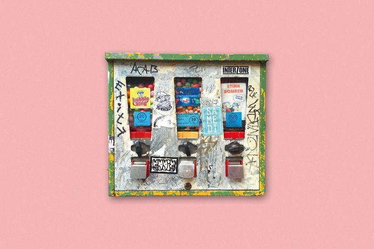 Sticky Art Machines - Der Künstler Max Schwarck porträtiert Berliner Kaugummiautomaten https://amy.pink/CM2Bt