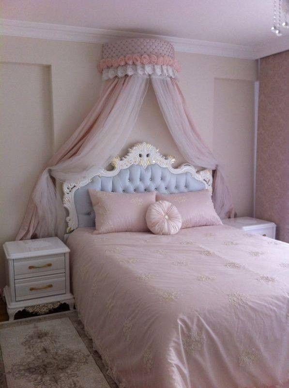 Mavi, Pembe, Yatak Odası