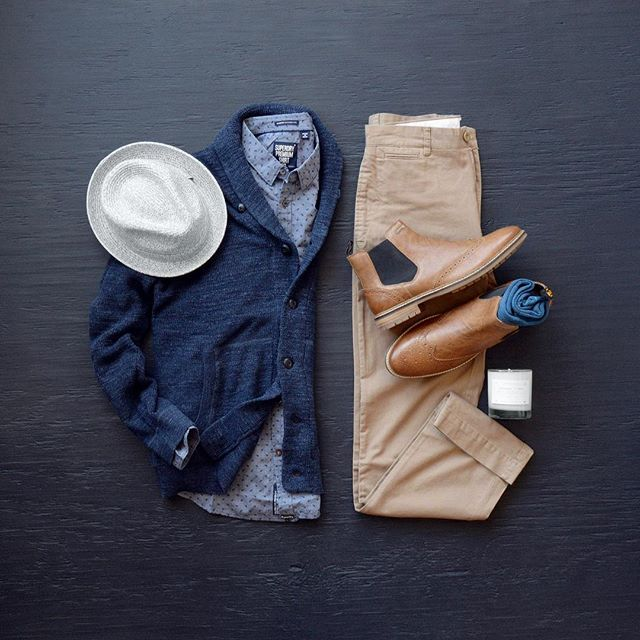 The Blues continue, thanks to my friends at @trademenswares #tuesdayblues #mycreativelook ––––––––––––––––––––––– All products are from @trademenswares Candle: @manreadymerc Shirt: @superdry Cardigan: @grayers Chinos: @grayers Boots: @superdry Hat: @bailey_hats Socks: @stancesocks ––––––––––––––––––––––– #grayers #rewritingtheclassics #mysuperdry #workhardlivewell #stancesocks #baileyhats #ootdmen #fashiongram #styleinspiration #mensstyle #menswear #styleguide #fashionista #mensfashio...