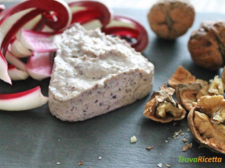 Mousse di ricotta con radicchio rosso, noci e cotto  #ricette #food #recipes