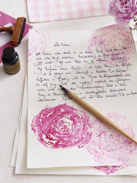 Wunderschönes Briefpapier muss nicht teuer sein! Und die Mama freut sich bestimmt auch über einen handgeschriebenen Brief!