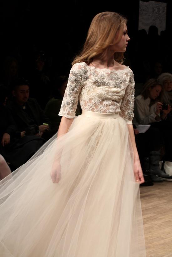Min absoluta favorit och drömklänning av Ida Sjöstedt som är tvådelad och väldigt användbar efter bröllopet