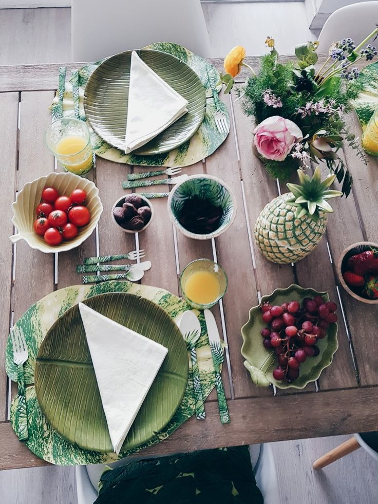 honeydressing by Mirian Pérez » Mesa primavera Time To Celebrate, Table Decorations, Furniture, Home Decor, Dish Sets, Table Toppers, Mesas, Spring, Interiors