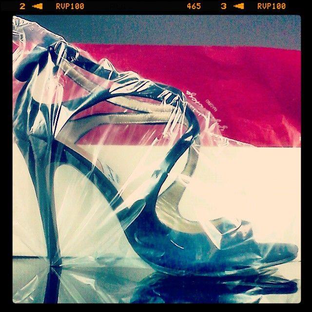 #sandalia en #ante #azul y #taconazo de 9cm. #higheels #blue #suede #sandals #heels #custommade #madetoorder #handmade #madeinspain #shoes #womenshoes #zapatos #scarpe #schuhes #chaussures #sabates #oinetakoak comprar/buy: www.jorgelarranaga.com/es/home/199-327.html