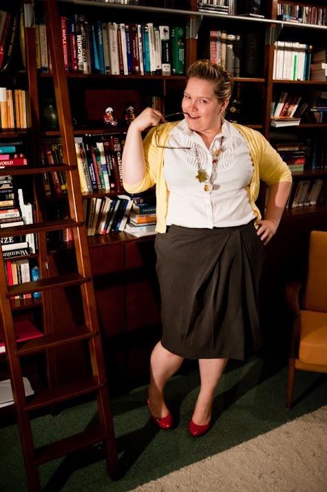 QuirkyPrettyCute: Plus size sewing blog Blog de una chica rellenita que se hace su ropa. Muy bonita.