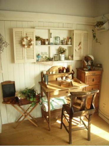 ナチュラルアンティークの画像   海外インテリアと私の部屋