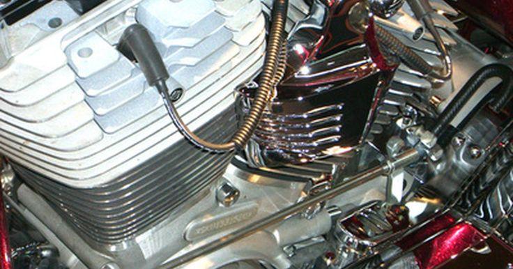 Técnicas de embobinado. El embobinado o reembobinado, es un proceso que se requiere durante la manufactura o reparación de los motores eléctricos. Las bobinas son utilizadas en motores de corriente alterna (AC) y de corriente directa (DC), principalmente porque el campo magnético alrededor de ellas es bastante fuerte y más localizado que en el de un conductor plano.
