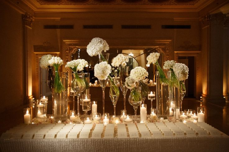 Such a chic escort card table!