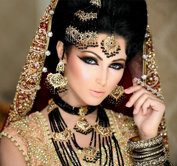 Naeem Khan Makeup I Could Watch His Videos All Day Pakistani Bridal