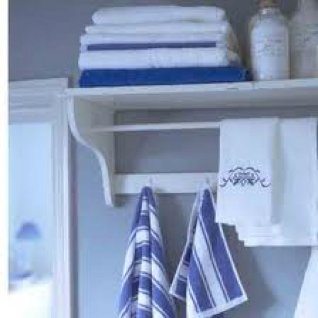 New england style bathrooms cape cod style or a bit of for New england style bathroom ideas