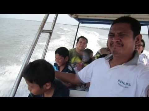 Menyusuri Laut Pantai Cermin nan Elok dan Indah dengan Boat